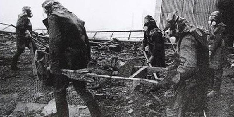 Así engañaron los comunistas, que tanto adora Pablo Iglesias, a 600.000 liquidadores para que murieran por la URSS en Chernóbil