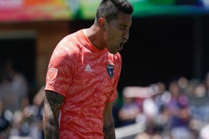 Este error de Daniel Vega termina en un autogol en un partido de la MLS