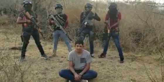 México: Lo obligaron a hablar en un narco vídeo y después apareció su cadáver