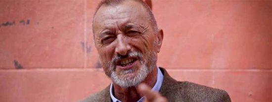 """Arturo Pérez-Reverte: """"Es preciso hacerse respetar y no ser, como somos, el hazmerreír de Europa"""""""