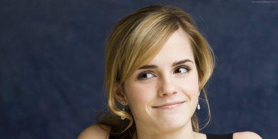 Impresionante: Pillan a Emma Watson con un pequeño bikini blanco en Los Cabos
