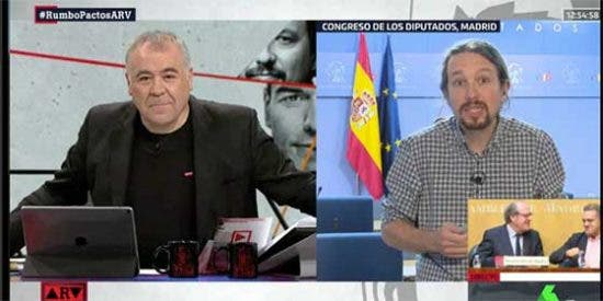 """Iglesias vuelve a acusar a Ferreras de no darle cariño a Podemos y el presentador le replica: """"Yo soy muy transversal con mis simpatías"""""""