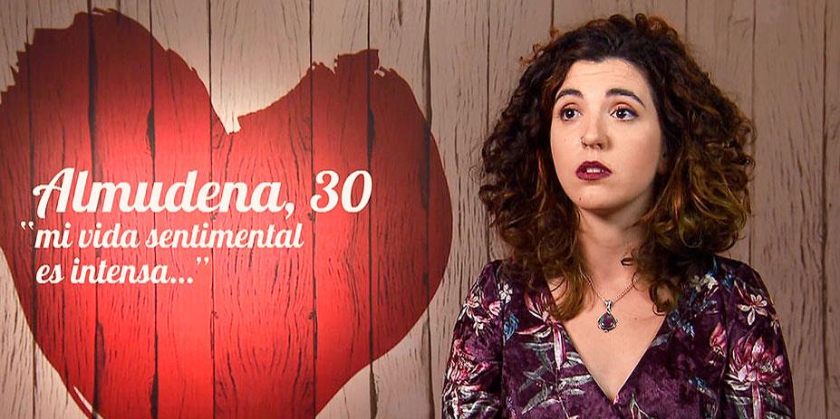 ¡AGGGH, QUE ASCO!: Esta comensal de 'First Dates' riega las plantas con su menstruación