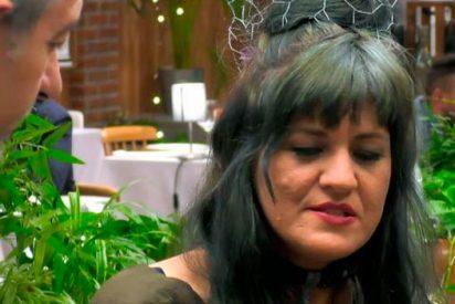 Raquel, la monja protestante de 'First Dates' que se encomienda a Dios para elegir pretendiente