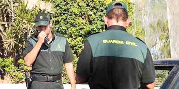 La Guardia Civil 'invitada' inesperada en la boda de Belén Esteban