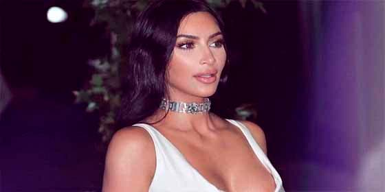 La gordita Kim Kardashian bate records en Instagram fotografiando su desproporcionado cuerpo