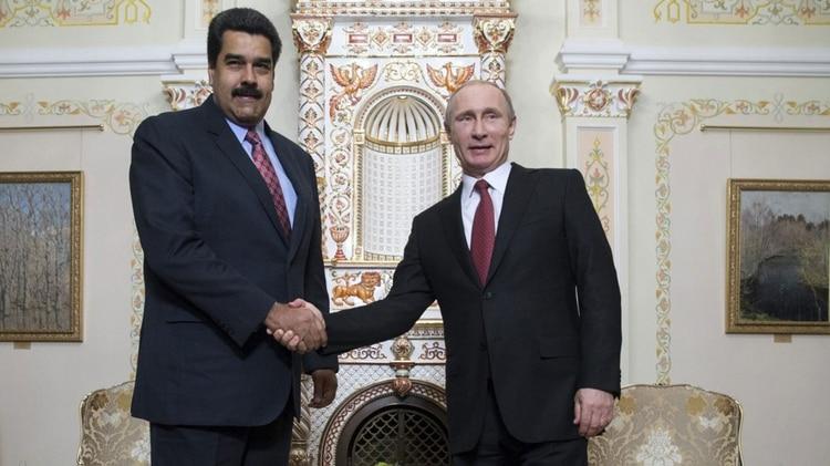 Rusia rectifica y profundiza su respaldo militar a la dictadura de Maduro