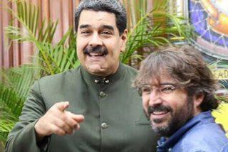 El entrevistador complaciente de dictadores comunistas, Jordi Évole, y sus amiguetes comunistas se lamenta de los resultados democráticos de VOX