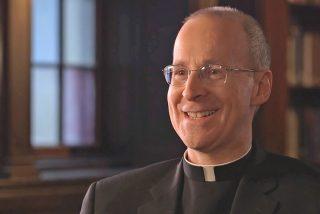 El jesuita James Martin confirma el interés del papa por la comunidad LGTBI