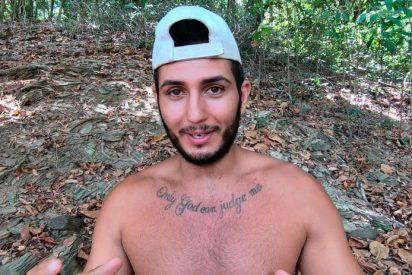 Omar Montes sigue creyendo que está en Honduras y hace 'aguas menores' en medio de la calle