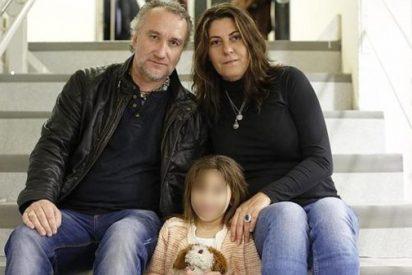 El papá de Nadia ya está en la calle gozando de los 400.000 euros que estafó usando a su hija enferma