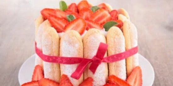 Charlota de fresas facil