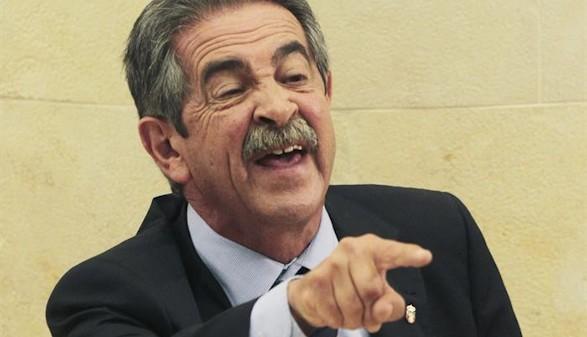 """Victor Entrialgo De Castro: """" Un mordisco de anchoas"""""""