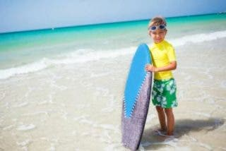 Ropa surfera para niños