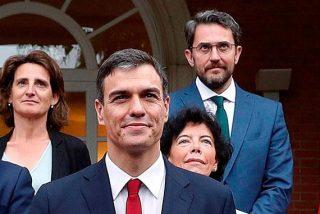 La puerta giratoria de Sánchez e Iglesias: contrato millonario en TVE para exministro 'corrupto'