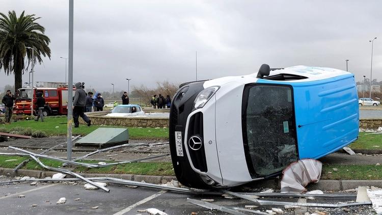 Un muerto, 28 heridos y 370 viviendas afectadas: Los efectos del tornado de Chile