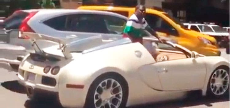 El actor Tracy Morgan choca con su Bugatti de 2 millones de dólares una hora después de comprarlo