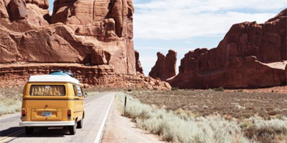 Motivos por los que cada vez los españoles viajan más al extranjero en verano