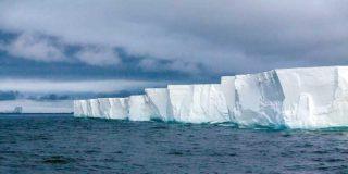 Un millonario emiratí planea remolcar un iceberg antártico hasta el golfo de Omán para combatir la sequía