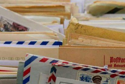Encuentran en Países Bajos miles de cartas enterradas por un cartero en el bosque