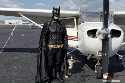 Este es el nuevo Batman, un superhéroe que rescata animales