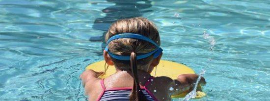 Una niña de 9 años muere electrocutada en una piscina de EEUU