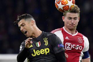 Cristiano Ronaldo se lanza contra un policía chino bromeando pero a éste no le hace ninguna gracia
