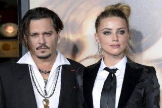 Johnny Depp acusa a su mujer de lanzarle una botella y quemarlo con un cigarro