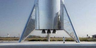 El cohete de SpaceX Starhopper consigue despegar sin incendiarse