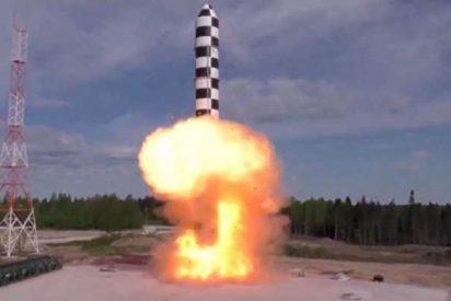 Rusia da más detalles de su nuevo y poderoso misil balístico Sarmat