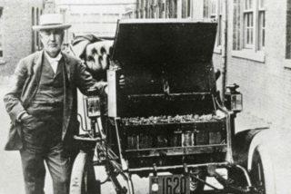 Así fue como el machismo retrasó la llegada de los coches eléctricos
