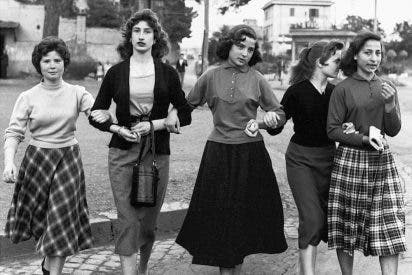 Group of young ladies, Rome 1956. Fotografía: William Klein