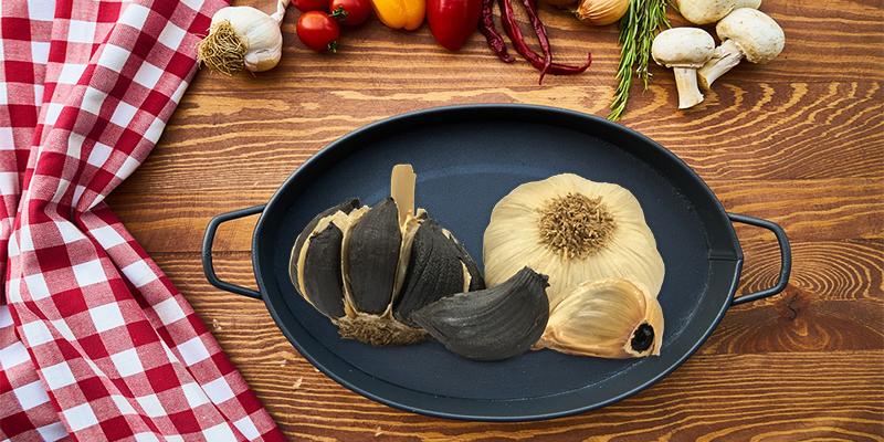 ¿Sabes cuál es la diferencia entre un ajo normal y uno negro?