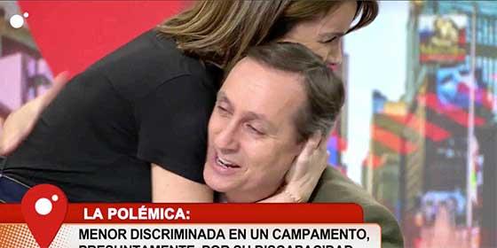 """Cuesta llora en directo por el drama de un niña y Chaparro lo consuela: """"Ahí donde lo ven es liberal pero tiene su corazoncito"""""""