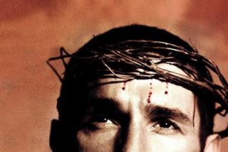 Las redes hunden a Jesús Vázquez por vejar a los cristianos con una foto para tapar que defraudó 3 millones a Hacienda