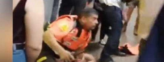 Carteristas muerden y patean a vigilantes del metro de Barcelona