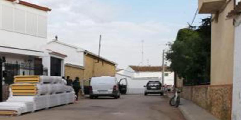 Mata a su madre y luego se suicida en una vivienda de Casas de Benítez