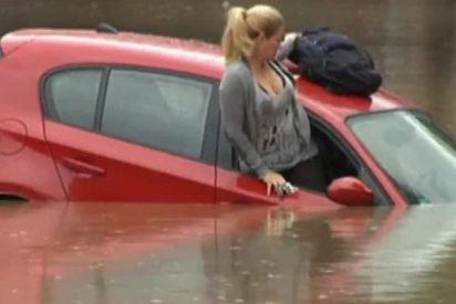¿Sabes qué debes hacer si te caes con el coche al agua?