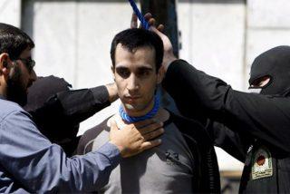 Los sicarios de los ayatolás capturan y condenan a muerte a 17 iraníes acusados de trabajar para la CIA