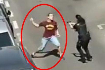 Este hombre intenta apuñalar a policías tras una discusión familiar en Madrid