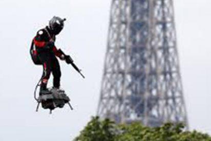 El 'soldado volador' francés fracasa al intentar cruzar el Canal de la Mancha