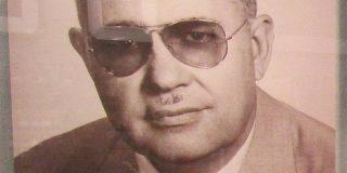 Lo que los bajistas del mundo entero le deben a este hombre: Clarence Leonidas