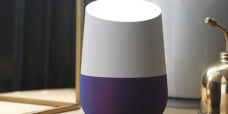 """""""El Gran Hermano en casa"""": Google admite haber utilizado altavoces inteligentes para escuchar grabaciones de audio privadas de sus usuarios"""
