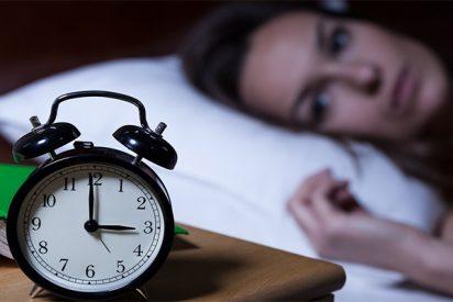 ¿Tienes insomnio? Esta es la mejor postura de yoga para combatirlo