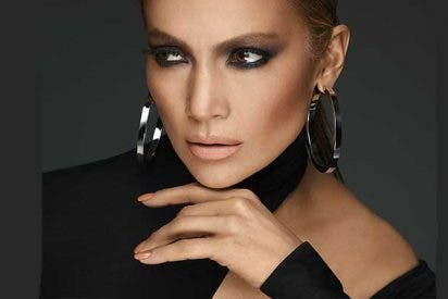 El vídeo que demuestra que Jennifer López es 'calva' si se quita las extensiones