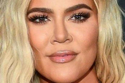 El pandero de Khloé Kardashian hace sombra a los que pasan por detrás de ella
