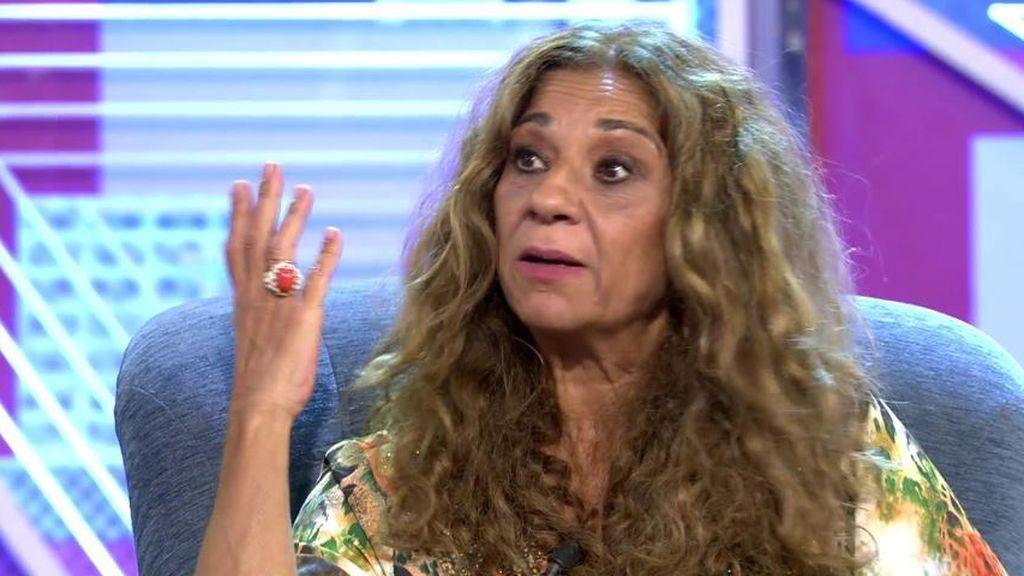 Lolita Flores rompe con mucho arte el feminismo sectario de El País