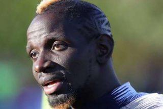 """Mamadou Sakho, ex jugador del Liverpool demanda a la WADA por una prueba de dopaje """"que dañó su carrera"""""""
