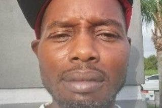 Hallan muerto a este hombre en Florida con 100 mordeduras de perro tras tomar un atajo para volver a casa