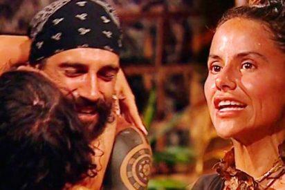 Mónica Hoyos queda retratada con su reacción al ser eliminada y salvarse Fabio en 'Supervivientes'